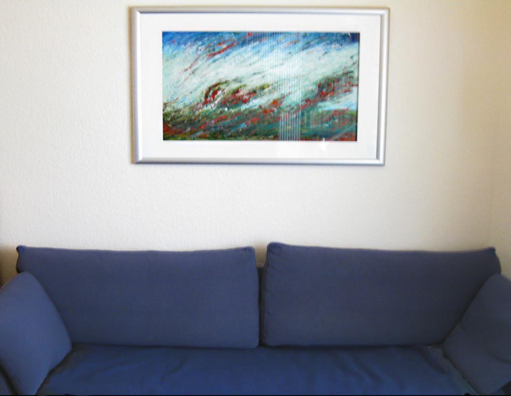 Blaues Sofa zum Bild